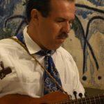 José Angel Guttiérez et son instrument