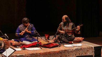 Shashank Subramanyam et Kiya Tabassian sur scène